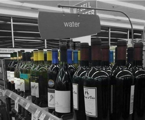 O acqua o vino