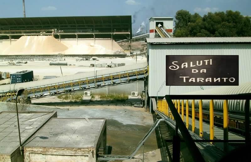 Saluti da Taranto: città del cemento