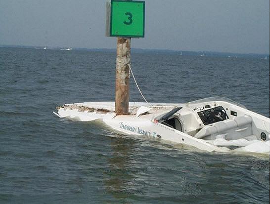 ma ti chi ha dato la patente, nautica!
