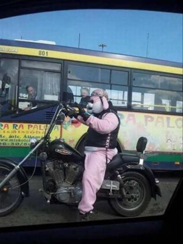 Un motociclista serio